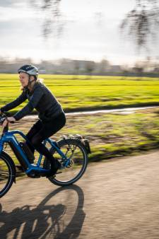 'Fietser van het jaar' Marian (60) trapt elke dag 54 kilometer: 'Ik was klaar met die files'