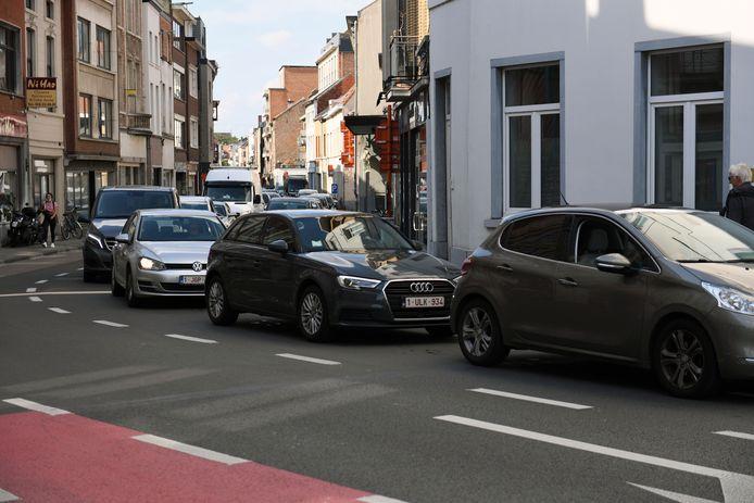 Vooral in de Tiensestraat is het sinds donderdag filerijden.