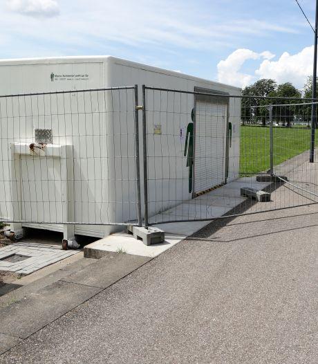 Heeft Gorinchem éindelijk een openbare wc, is-ie alweer dicht door vernieling