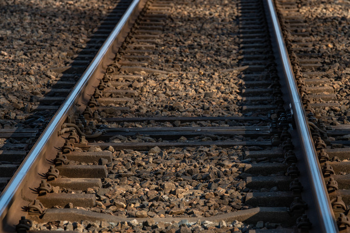 Persoon aangereden door trein op het spoor, tussen Eindhoven en Weert geen treinen