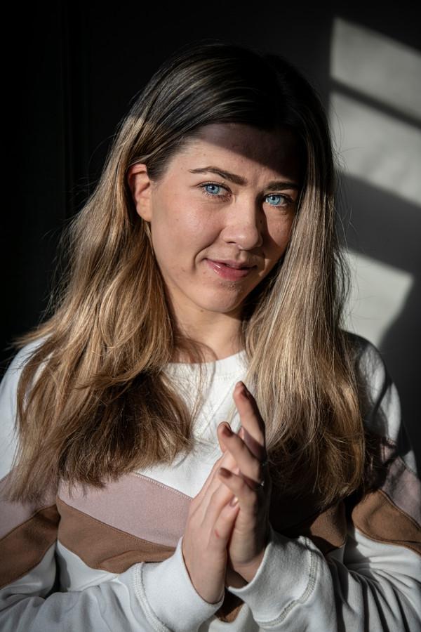 Nurija van Schoonhoven zit voor komend jaar vol goede voornemens. Ze wil haar Russische moeder naar een betere kliniek krijgen en het huisje van haar tante opknappen.
