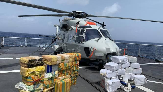 Nederlandse militair schiet vanuit helikopter motoren drugsboot aan flarden