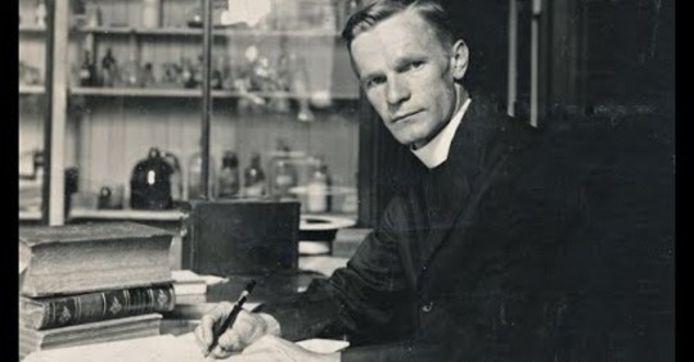 Julius Nieuwland.