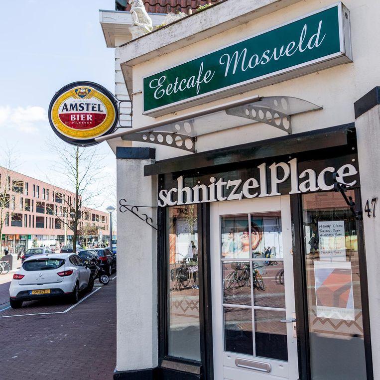 Schnitzel Place Beeld Rink Hof