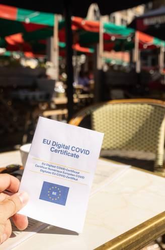 """Brussel reageert op uitbreiding Covid Safe Ticket: """"Het is niet aan ons om vaccinatiegraad op te krikken"""""""