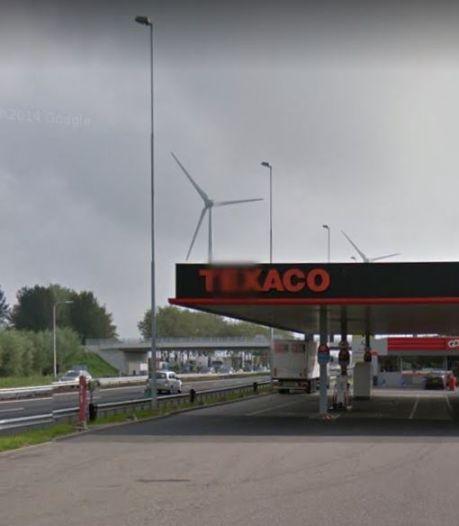 Ontvoering van vrouw door ex-vriend en schoonmoeder strandt bij tankstation A15