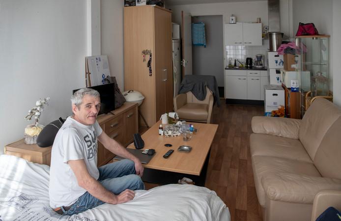 Wim van Renswoude is in financiële problemen geraakt en maakt daardoor gebruik van de voedselbank.