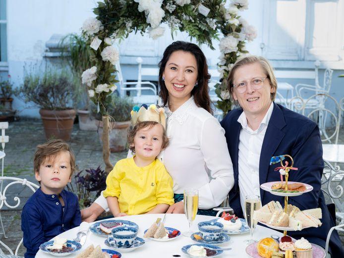 Nuria en Stijn samen met hun zonen Theo en Victor.
