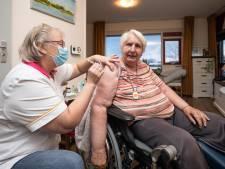 Eerste 700 vaccins met gejuich binnengehaald bij Lyvore: 'Er is hier stoempend hard gewerkt'