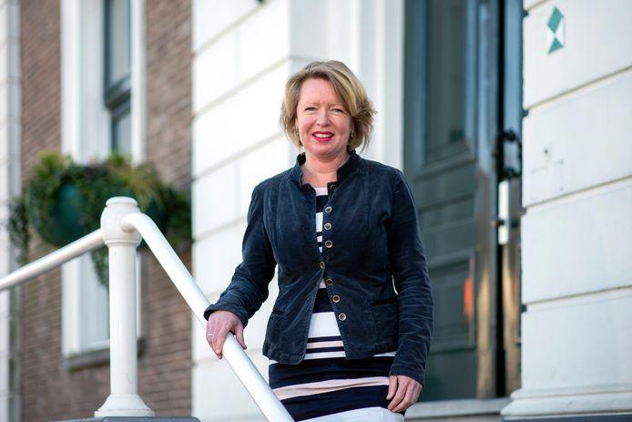 Burgemeester Patricia Hoytink-Roubos van de gemeente Overbetuwe.