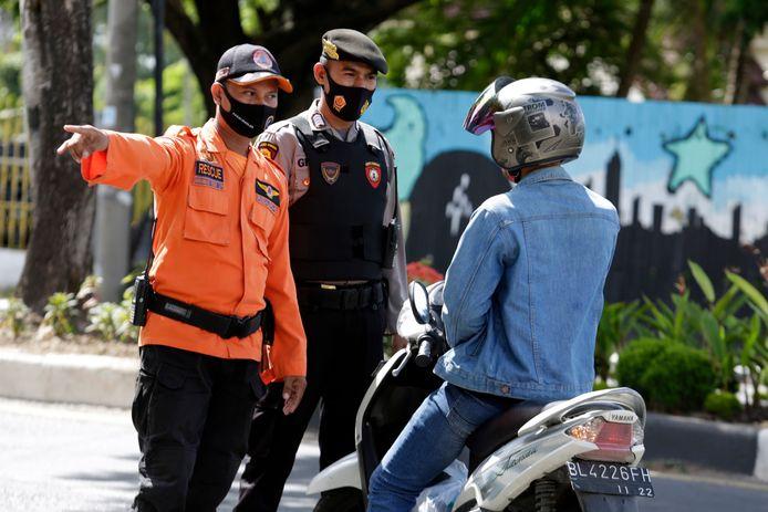 Contrôle du port du masque (Indonésie, 5 juillet)