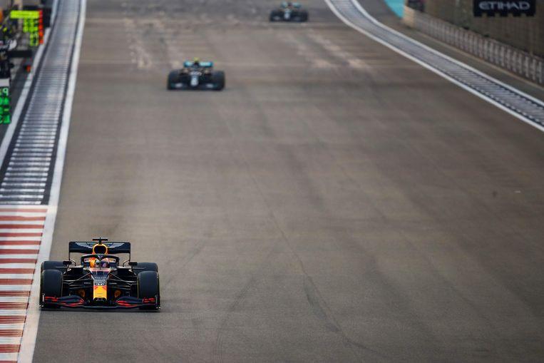 Verstappen ging van de eerste tot de laatste ronde soeverein aan de leiding. Beeld AFP