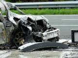 Heldhaftige chauffeur redt bestuurster uit brandende auto