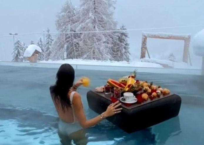 Ce petit déjeuner de luxe dans une station alpine va faire des envieux.