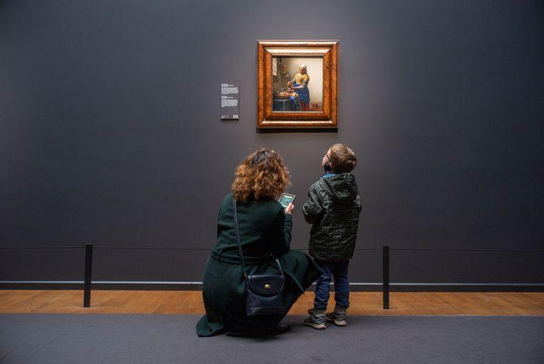 'Het melkmeisje' van Vermeer is vanaf 5 juni weer te bewonderen. Beeld Hollandse Hoogte / Sabine Joosten