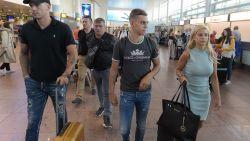 """Trossard op luchthaven richting Engeland: """"Niet makkelijk om familieclub Genk achter me te laten"""""""