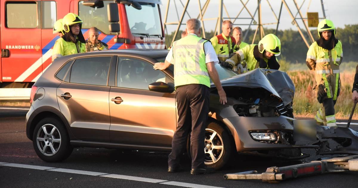 Man gewond door botsing op A73 bij Nijmegen, weg weer vrij.