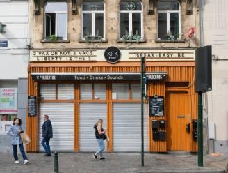 Klant geeft messteken aan café-uitbater in centrum Brussel na discussie over Covid Safe Ticket