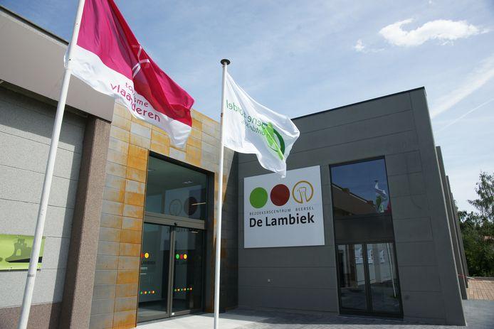 De route start aan Biercentrum De Lambiek in Alsemberg.
