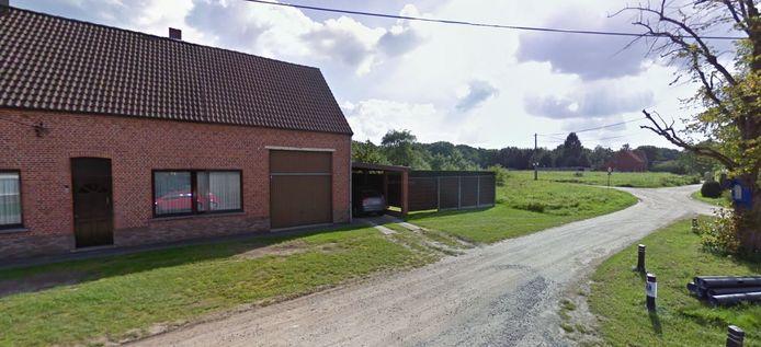 De verkavelingsplannen willen bouwen aan de momenteel nog onverharde wegen Bremstraat en Lariksstraat Mol Sluis.