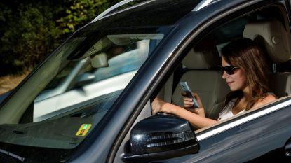 """""""Gebruik gsm niet achter stuur"""": telecomoperatoren lanceren samen campagne"""