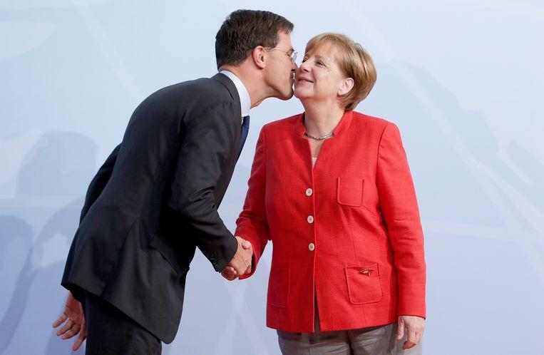 Rutte en Merkel in 2017. Beeld EPA