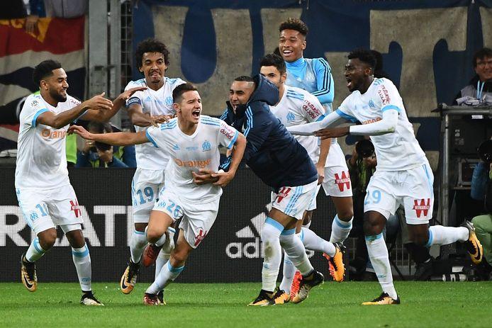 Florian Thauvin juicht na zijn goal. Het bleek niet de winnende.