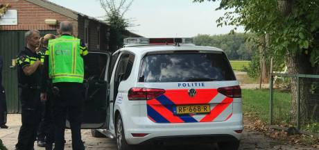 Dronken automobilist rijdt fietsster aan in Helvoirt en slaat op de vlucht