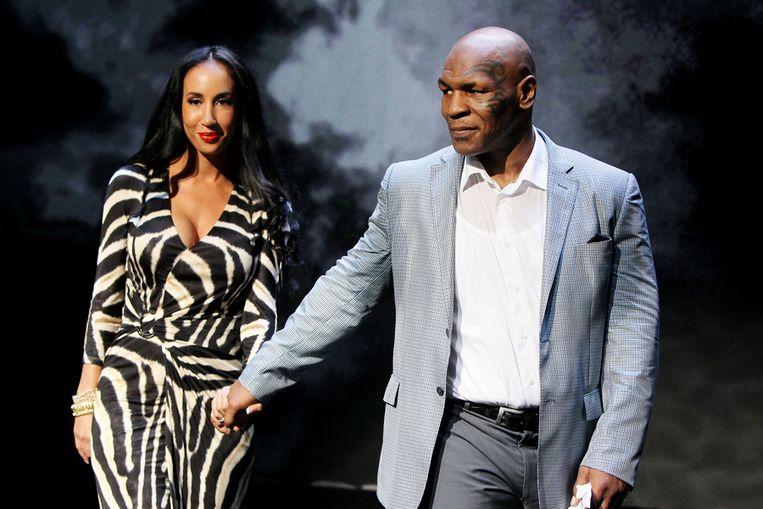 Tyson en zijn echtgenote Kiki na afloop van de première. Beeld ap