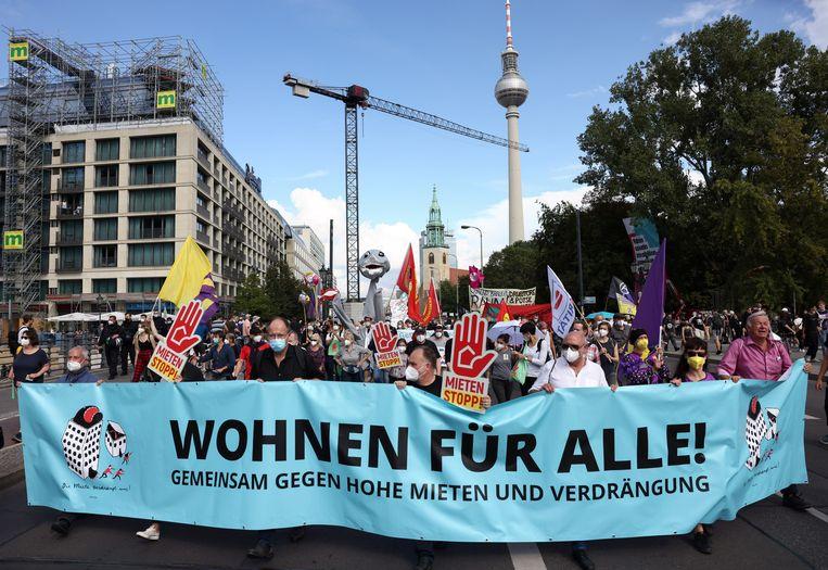 Demonstratie tegen de hoge huren in Berlijn op 11 september. Beeld REUTERS