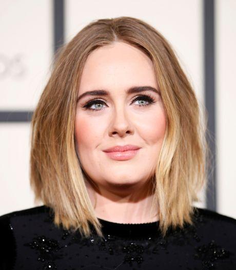 Adele vraagt officieel scheiding aan van echtgenoot
