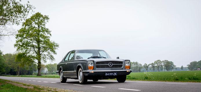De Mercedes Pininfarina 300 SEL 6.3. uit 1969. Van deze auto is er maar een op de hele wereld. En hij staat in Goor, bij Ibalo Sportscars.