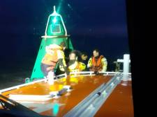 Kitesurfer op Westerschelde van boei gered