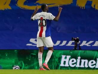 Benteke schenkt Crystal Palace met late winning goal zege bij Brighton van Trossard
