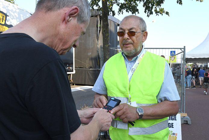 Voor het eerst konden bezoekers de vrijwillige bijdrage pinnen.