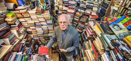 Geld is binnen voor overname van boekenwinkel van Jogchum (80): 'Overdonderd, dat zijn we'