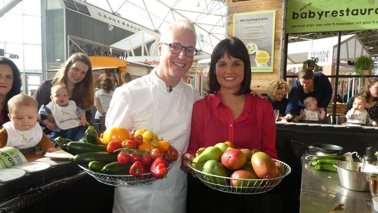 Meesterkok Rudolph van Veen (Actieplan Groente en Fruit): 'Gezondheid heeft geen smaak. Daarom hebben we besef nodig.' Met Tamara Peers (Good Baby Food) Beeld Schuim