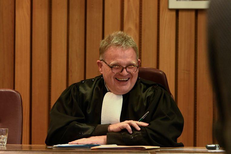 Met een Veurns vleugje streektaal en af en toe een kwinkslag: rechter Vandaele houdt altijd rekening met wie in z'n beklaagdenbank staat.
