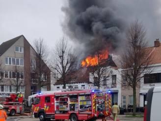 """Zware uitslaande brand treft iconische restaurant De Clesse: """"Rampjaar 2020 afgesloten met een nog grotere ramp"""""""