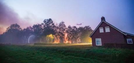 Onderzoeker Peelbrand wil meer aandacht voor risico op natuurbranden: 'Haal die bladeren uit de dakgoot'