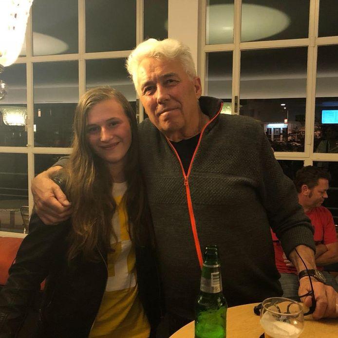 Sanne van Hoff, met haar idool George Kooymans, gitarist van de Golden Earring.