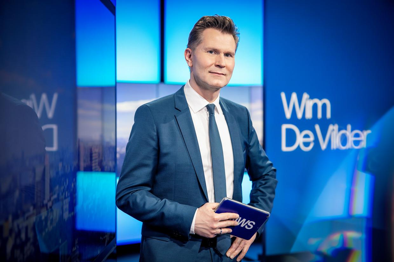 Nieuwsanker van 'Het Journaal' Wim De Vilder. Beeld © VRT - Sofie Silbermann