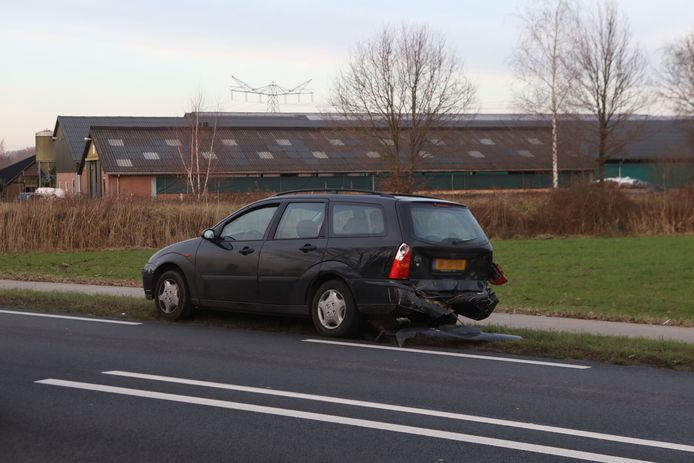 Kop-staart botsing op de Eerdsebaan (N622) bij Veghel