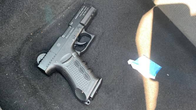 Kampenaar van 21 vertelt in rechtbank dat er al eens een pistool op zijn hoofd is gezet: 'In wat voor kringen begeeft u zich?'