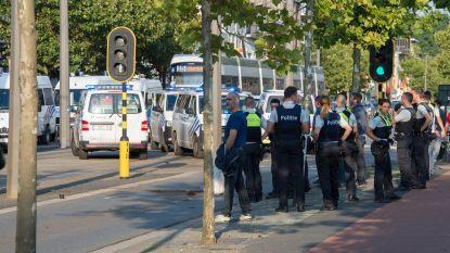 Alle donderdag opgepakte Antwerphooligans blijven in cel