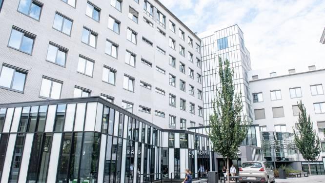 Aantal besmettingen in AZ Oudenaarde stijgt: tijdelijk geen bezoek toegelaten op drie afdelingen