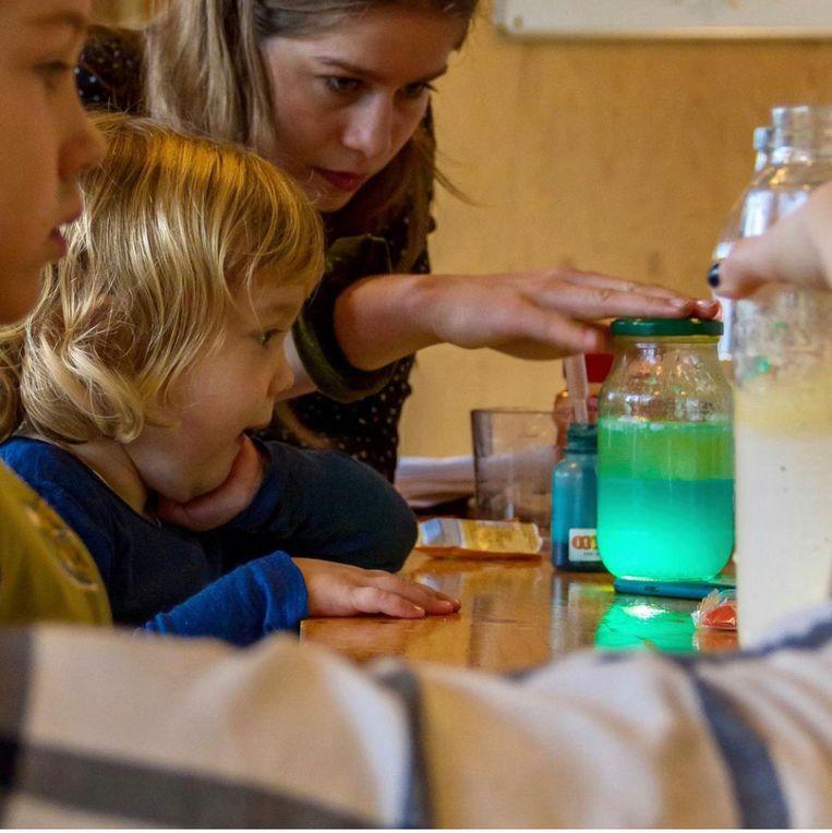 Kooklab en sciencelab van Stichting Jeugdland. Beeld
