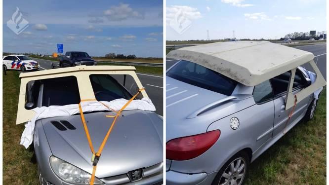 """Nederlandse agenten zien plots 'boot' op de snelweg rijden: """"Zag ik dat nou goed?"""""""