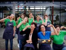Met de verkoop van Smulbollen koopt Veense lunchroom Je Kans een busje voor het personeel