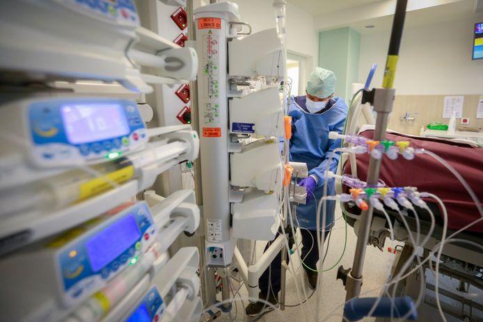 Unité de soins intensifs (Hôpitaux Iris-Sud, Bruxelles, archives)